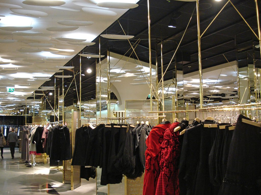 Messing-Kleiderstangen für Modeladen, Brüll+Gruber