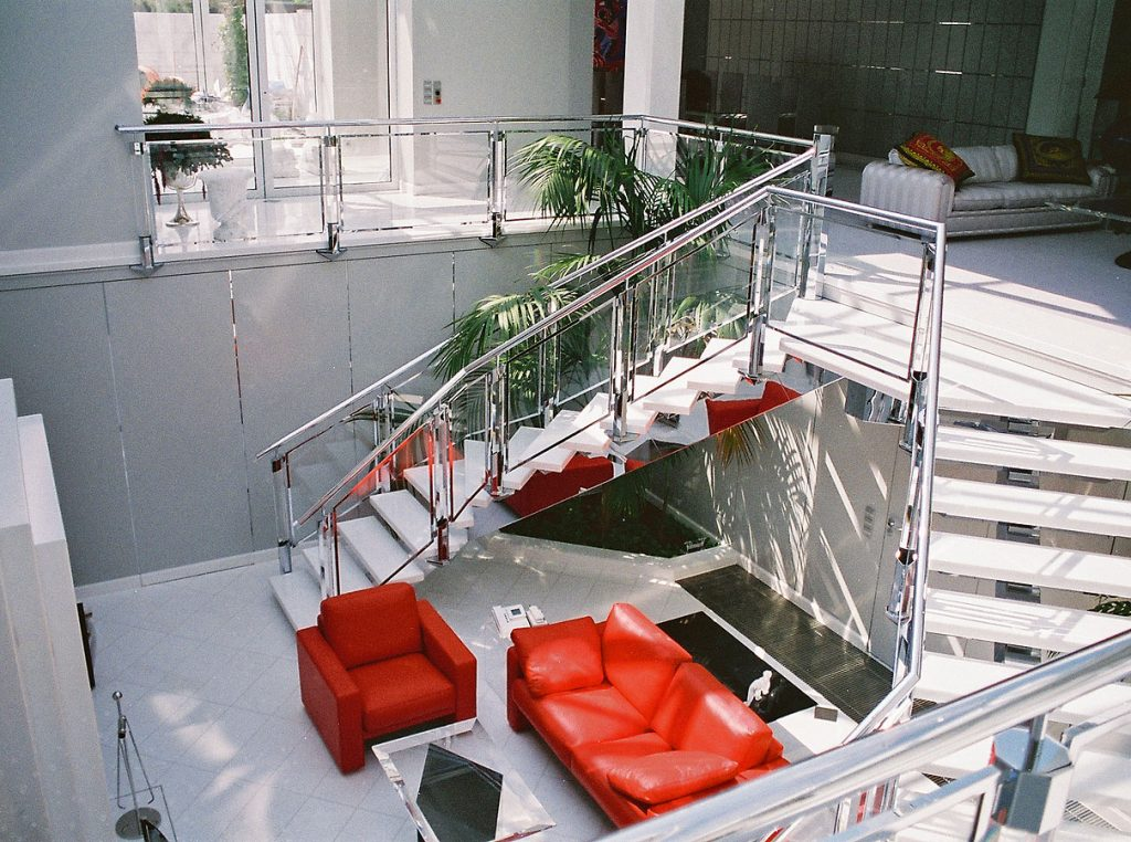 Chrom-Treppengeländer nach Maß von Brüll+Gruber