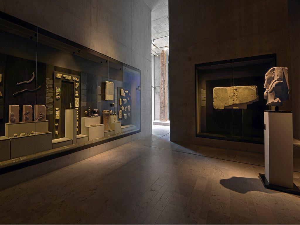 Vitrinen für Ägyptisches Museum von Brüll+Gruber